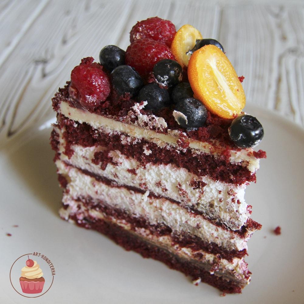 """Кусок торта """"Красный бархат"""""""